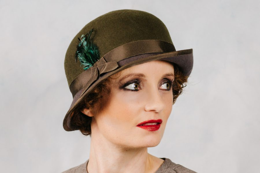 two-tone-cloche-side
