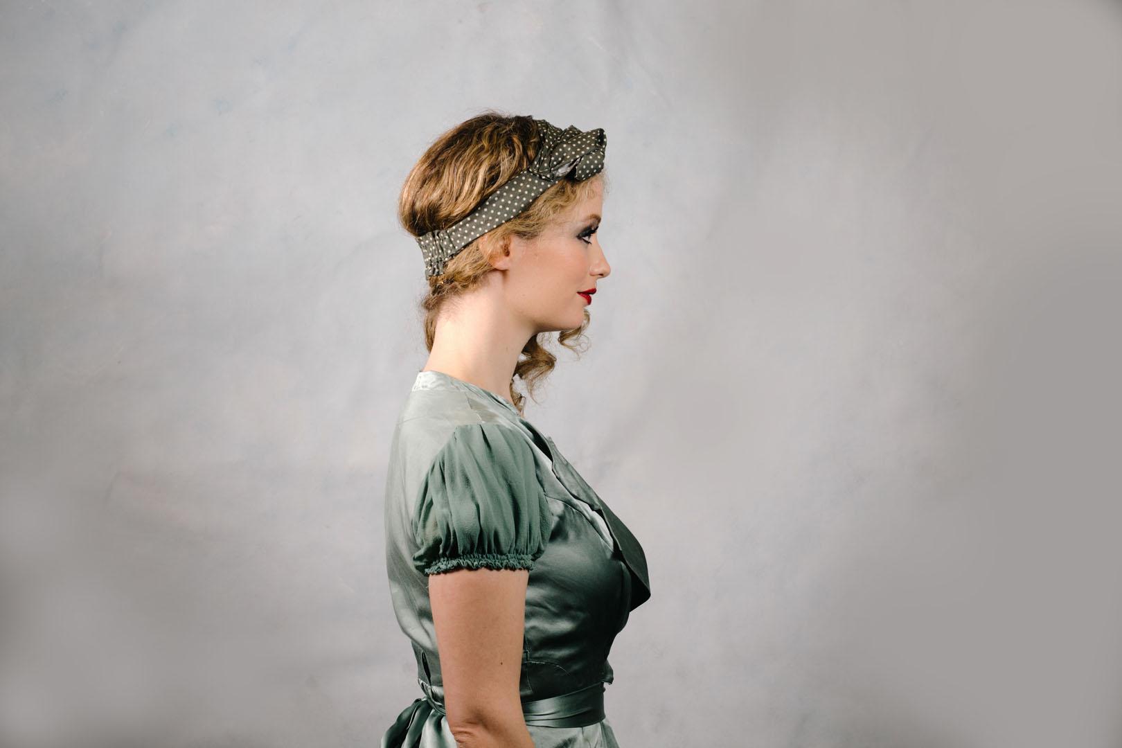 vintage_style_headband_turban_green_polkadot